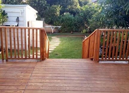 בניית דקים בגינה