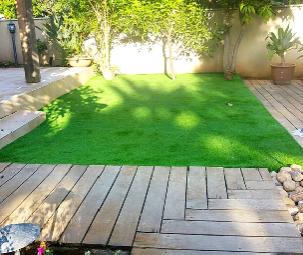 התקנת דשא ודק